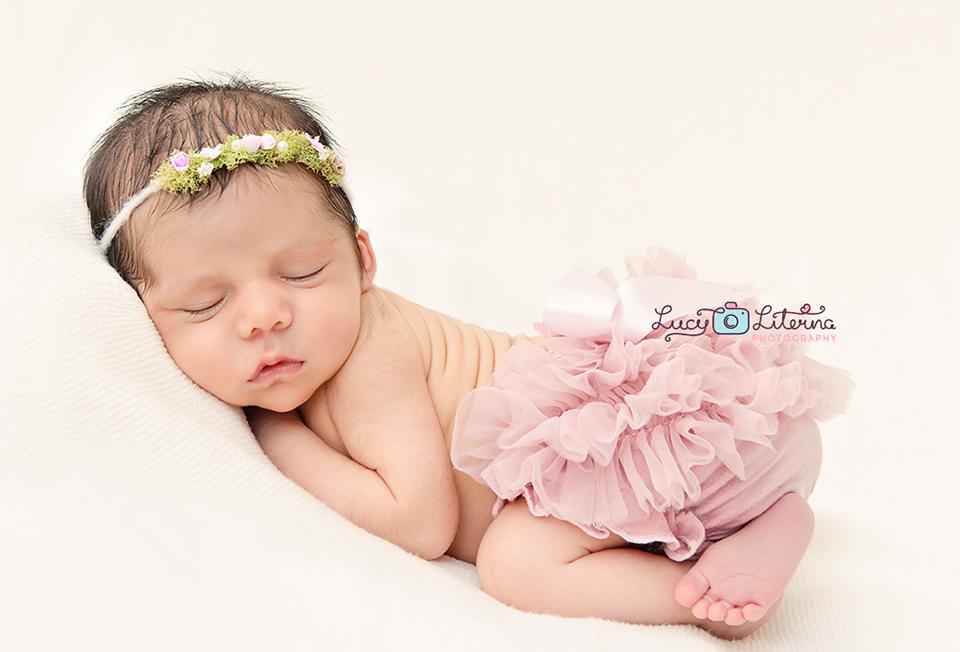 newborn photographer toronto