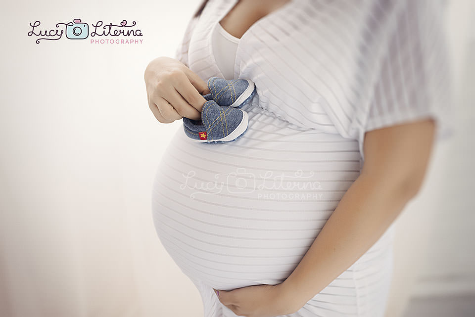maternity belly photo